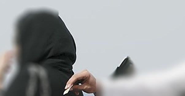 شاب يعترض امرأة ويُجبرها على أخذ رقم هاتفه... ومحكمة مسقط تسجنه وتغرّمه