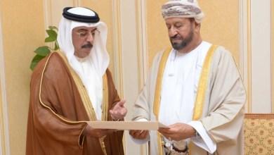 Photo of بدر بن سعود يتلقى دعوة من حاكم دبي