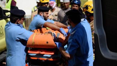 صورة إنقاذ شخص سقط في حفرة إنشائية بمطرح