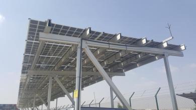صورة يختص بالطاقة الشمسية: مشروع تجريبي في ميناء صلالة