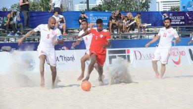 صورة حكم عُماني يُدير نهائي آسيا لكرة القدم الشاطئية 2019