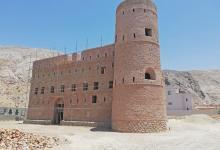 Photo of مساجد وبيوت وقلاع: العمل جارٍ في ترميم 11 معلمًا أثريًا