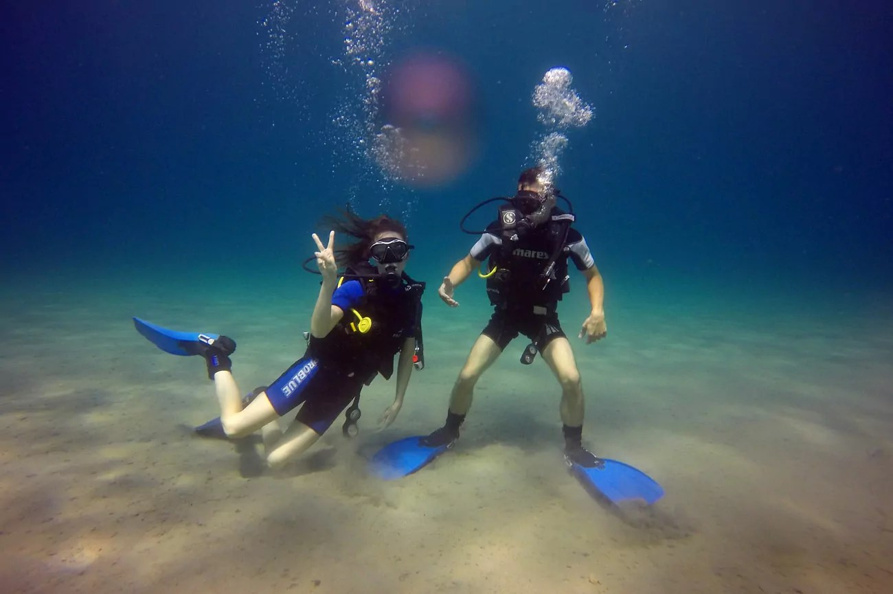 Discover scuba diving moments