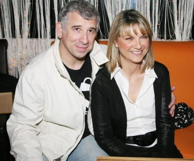 Πέτρος Φιλιππίδης: 'Βράχος' δίπλα στο σύζυγό της η Ελπίδα Νίνου!