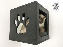 cubo per gatti nero