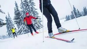 cross country skiing benefits and injury risks