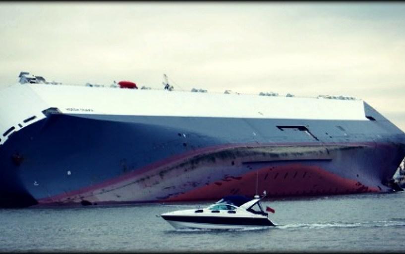 Το ναυάγιο της χλιδής ξέβρασε καταστραμένα supercars