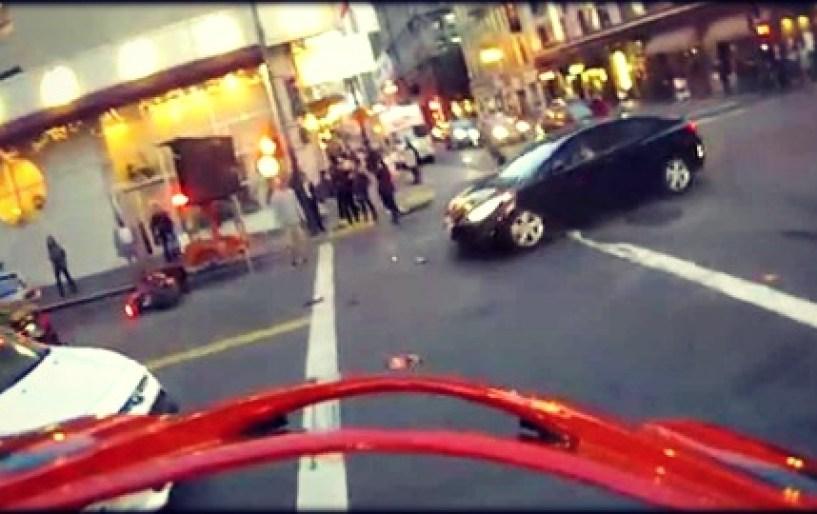 Απίστευτο ατύχημα με μοτοσικλετιστή