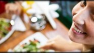 5 τροφές που σταματούν το χρόνο