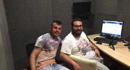 Ο Μανώλης Μονιάκης στο στούντιο του Athletic Radio 104,2