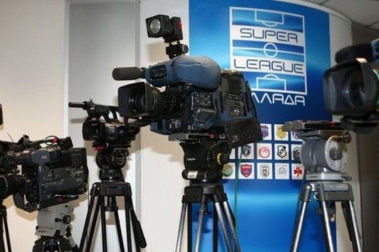 Λύση στον… ορίζοντα για τα τηλεοπτικά της Super League 2