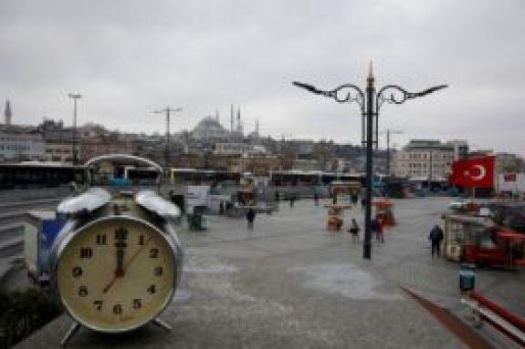Κορωνοϊός: Ραγδαία εξάπλωση του ιού στην Τουρκία – 63 νέοι θάνατοι και 2.148 κρούσματα