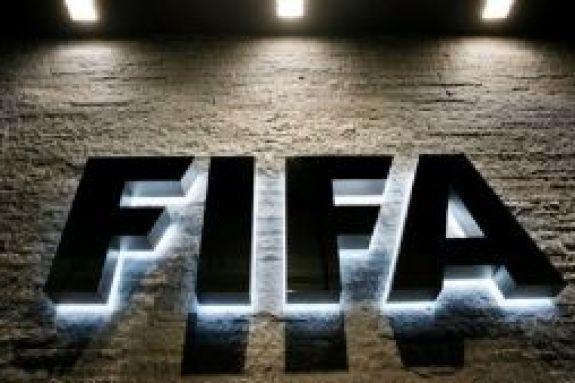FIFA: «Μην τιμωρείτε τους παίκτες για μηνύματα κατά του ρατσισμού»