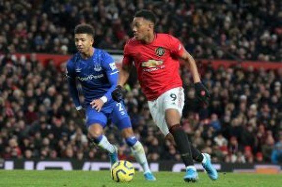 Premier League: Με πέντε αλλαγές και 9 παίκτες στον πάγκο