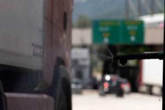 Τουρισμός: Κλείνουν από σήμερα τα σύνορα της Ελλάδας για τους Σέρβους