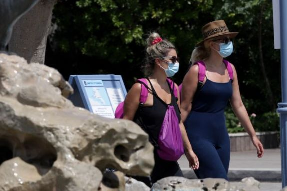 Κοροναϊός: Οι φόβοι των επιστημόνων για επιθετική αύξηση κρουσμάτων