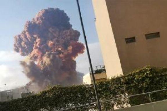 Συνταρακτικό: Η στιγμή της φονικής έκρηξης στην Βηρυτό σε αργή κίνηση