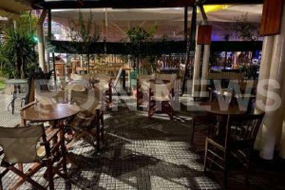 Καβάλα: Ερήμωσαν τα μαγαζιά και… γέμισαν οι πλατείες μετά τα μεσάνυχτα (pics)