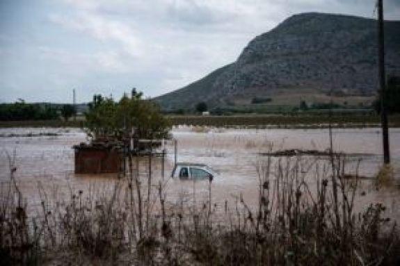 Ιανός: Τις πληγές της μετράει η Ελλάδα – 3 νεκροί, αγωνία για τους αγνοούμενους