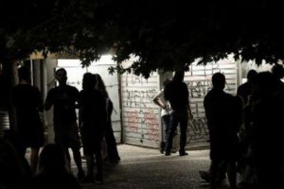 Κορωνοϊός: «Αναστέναξαν» και χθες οι πλατείες, παρά τα περιοριστικά μέτρα