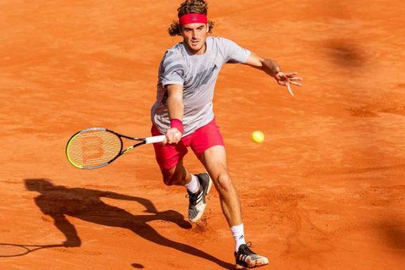Ρίχνεται στη «μάχη» του Roland Garros ο Τσιτσιπάς