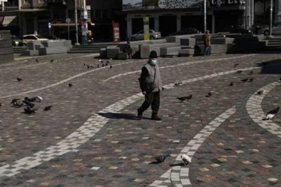 Κορωνοϊός: Μάσκα παντού και απαγόρευση κυκλοφορίας το βράδυ προτείνει ο Δερμιτζάκης