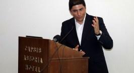 Ο Λευτέρης Αυγενάκης απευθύνεται στους πολίτες του Ηρακλείου