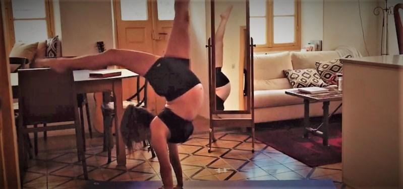 Handstand-pregnant- Talia