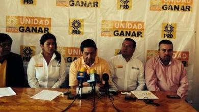 En su oportunidad, el secretario de los Jóvenes de la dirigencia estatal del PRD, Jesús Mora, anunció que habrá movilizaciones estudiantiles en protesta