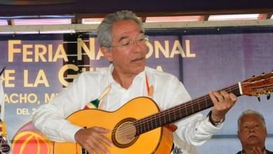 Se destinaron 555 mil pesos en premios para los artesanos que participan en los concursos de Constructores de Guitarra y Juguete Popular Michoacano, lo que representa un incremento del 55.3 por ciento comparado con 2013