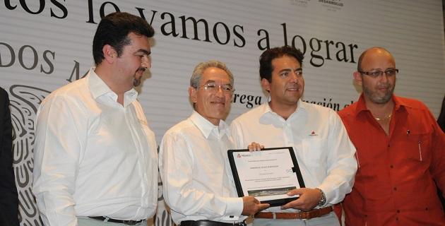 Salvador Jara agradeció los apoyos que se suman a todos los que aporta el Gobierno de la República y recalcó que este equipo de cómputo es producto de la gestión del titular de la Sepsol