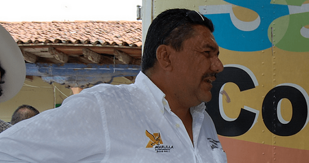 """El ex alcalde, estuvo relacionado en 2009 con """"El Michoacanazo"""", junto con otros 27 funcionarios que fueron detenidos por el Ejército y la Policía Federal por tener una relación con el crimen organizado"""