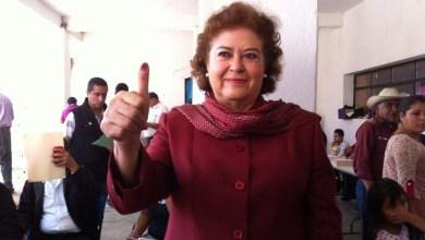 María de la Luz Núñez votó en Tuxpan