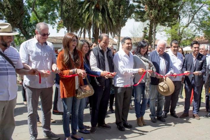 """""""Con estas actividades se motiva la participación de los pescadores y de los vendedores de caldos porque se promociona la riqueza culinaria que tenemos"""": Báez Ceja"""