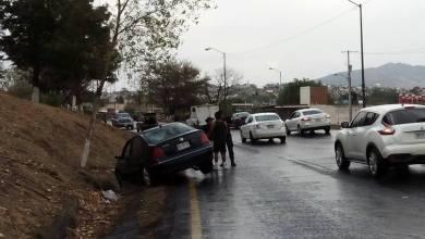 Al lugar arribaron elementos de la Fuerza Ciudadana para controlar el tránsito y levantar el peritaje (FOTO: MARIO REBO)