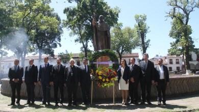El legado de Don Vasco de Quiroga sigue vigente, aseguró el orador oficial Damián Arévalo Orozco, en la majestuosa plaza que lleva el nombre del humanista