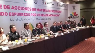 Ante directivos de los principales medio de comunicación de Michoacán y líderes de opinión, autoridades federales coincidieron en señalar que la cifra de delitos registrados en 2015 es la más baja de los últimos 10 años en la entidad