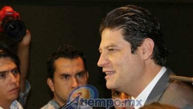 Martínez Alcázar consideró que se pretenden limitar los derechos políticos de los candidatos independientes, cuando éstos deberían tener los mismos y las mismas condiciones que aquellos que militan en institutos políticos