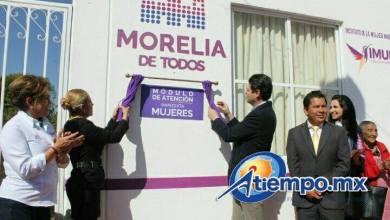 Alfonso Martínez pidió el apoyo de los vecinos de la Tenencia Morelos y denunciar cuando sean víctimas de algún delito, agregando que ya existe un Centro de Atención a Víctimas en ese lugar (FOTO: MARIO REBOLLAR)