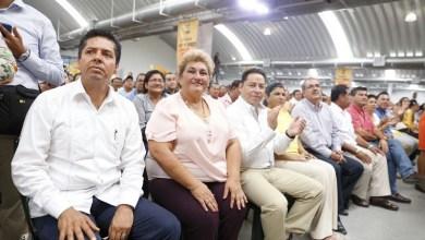 """""""Este sábado Silvano Aureoles fue recibido por más de 10 mil militantes perredistas en Tabasco, lo cual deja ver que lejos de que el partido está débil, la muestra es que se está fortaleciendo"""", dijo García Conejo"""