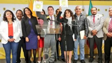 La michoacana Iris Vianey Mendoza decidió retirar su apoyo al también michoacano Raúl Morón; ahora se inclinó a favor de Dolores Padierna