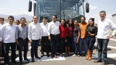 Ante integrantes del Consejo Estudiantil de Tzintzuntzan y del presidente municipal, Elesban Aparicio Cuiriz, el mandatario estatal refrendó su compromiso a favor de una educación de calidad en la entidad