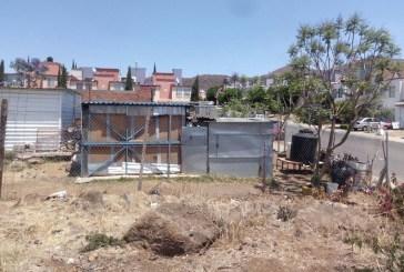 La escuela sólo cuenta con un aula terminada y otra más que fue gestionada por el Ayuntamiento de Morelia, pero que se quedó sin terminar por lo que al momento se encuentra en obra negra al parecer debido a que hacen falta recursos para su conclusión