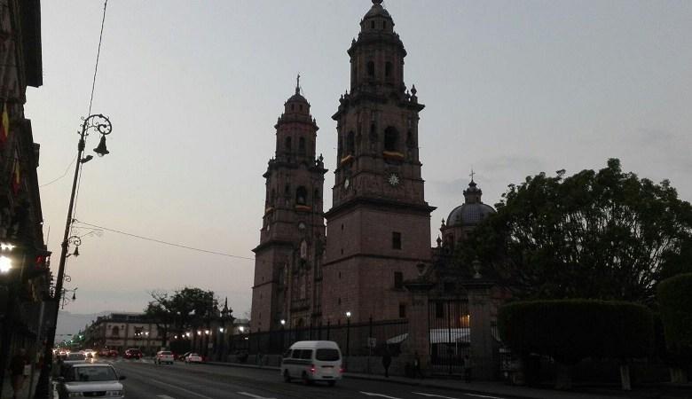 Al filo de las 19:00 horas sobre la Avenida Madero se llevará a cabo el magno concierto con la presentación estelar del tenor mexicano Fernando de la Mora