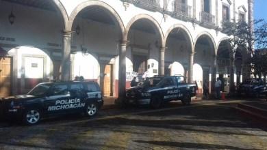 Hasta el momento se impide el ingreso de personas a la sede del Ayuntamiento de Taretan, mientras la Policía Michoacán vigila que la manifestación no se salga de control
