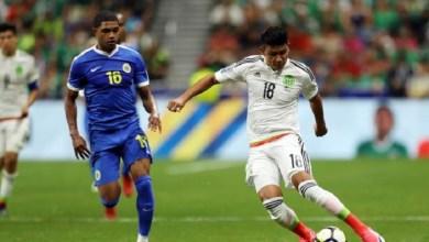 Ángel Sepúlveda y Edson Álvarez anotaron los goles, el arquero Jesús Corona tuvo una gran actuación con espectaculares atajadas y México pasó apuros para superar el domingo 2-0 a Curazao, asegurándose el primer lugar del Grupo C de la Copa de Oro rumbo a los cuartos de final