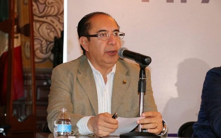Guerrero Guadarrama lamentó el tema de los vendedores ambulantes que prácticamente duplicó el número  de oferentes en la vía pública y que además, da una muy mala imagen a Morelia