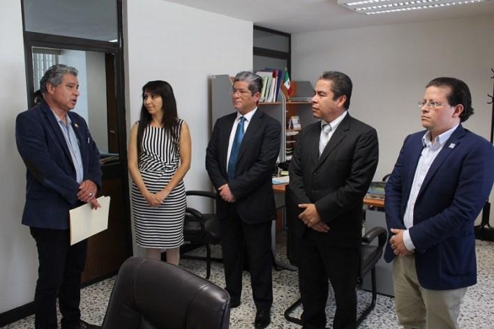 López Contreras es desde hoy jefe del Departamento de Certificados en la misma dependencia universitaria, sustituyendo en el cargo a Isabel Tena Moreno