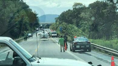 La ambulancia se precipitó a un barranco de unos 10 metros de profundidad, por lo que los paramédicos quedaron lesionados, siendo auxiliados por sus compañeros, los cuales solicitaron apoyo de un helicóptero del Grupo Azor