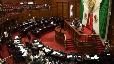 El dictamen aprobado en sesión extraordinaria de la Septuagésima Tercera Legislatura incorpora una nueva redacción de enunciativa de los derechos vigentes de los servidores públicos a tener derecho a la jubilación que se establecen en el artículo 54 Ley de Pensiones para el Estado